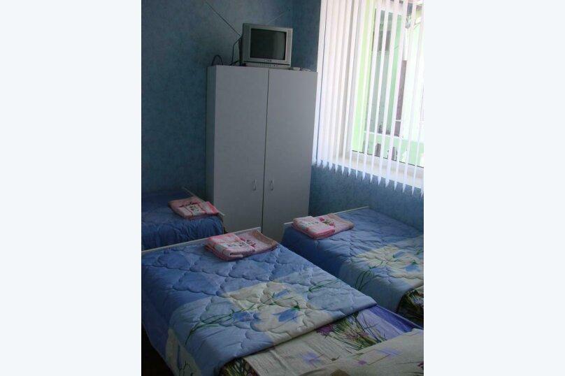 3-х местный номер, улица Героев 4 Марта, 30, Сухум - Фотография 4