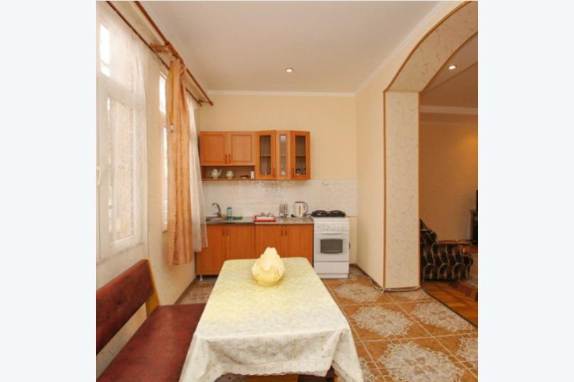 Отдельная комната, улица Джонуа, 24, Сухум - Фотография 2