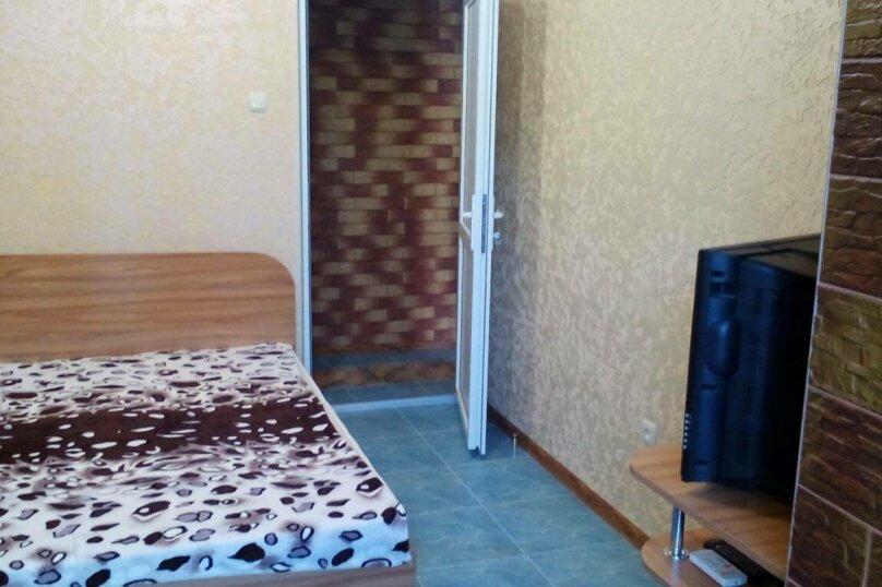 Люкс на 1 этаже двухкомнатный на 4-5 человек, улица Тучина, 91, Евпатория - Фотография 5