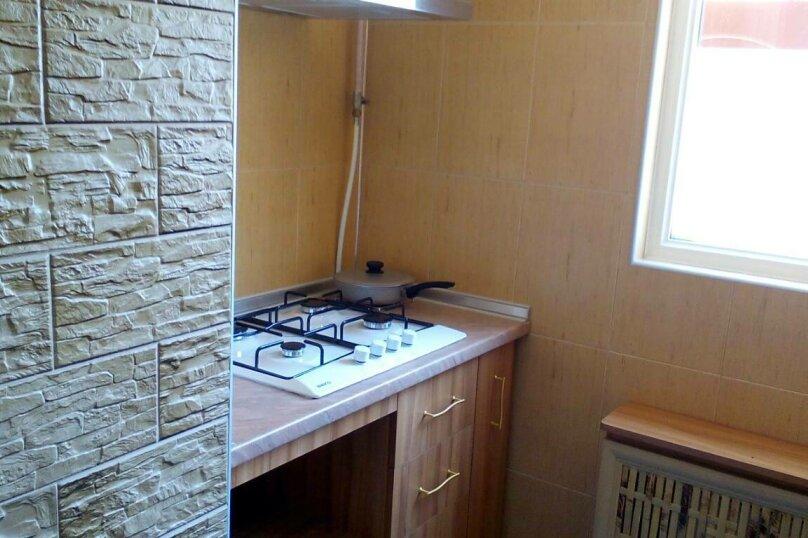 Люкс на 1 этаже двухкомнатный на 4-5 человек, улица Тучина, 91, Евпатория - Фотография 6