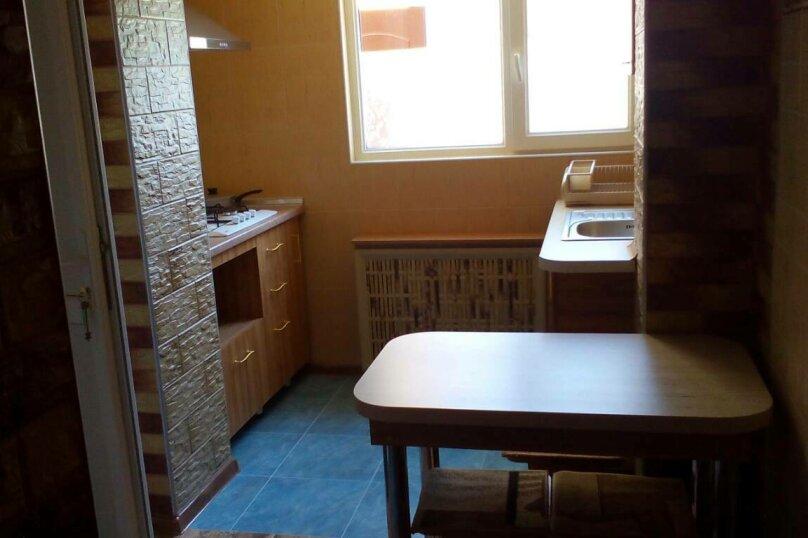 Люкс на 1 этаже двухкомнатный на 4-5 человек, улица Тучина, 91, Евпатория - Фотография 9
