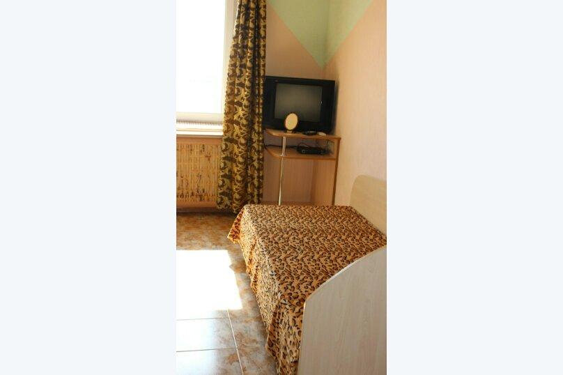 Второй этаж, комната на 2 человека, улица Тучина, 91, Евпатория - Фотография 7