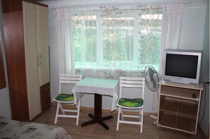 Гостевой домик для отдыха трёхместный, шоссе Свободы, 8А, Алупка - Фотография 1