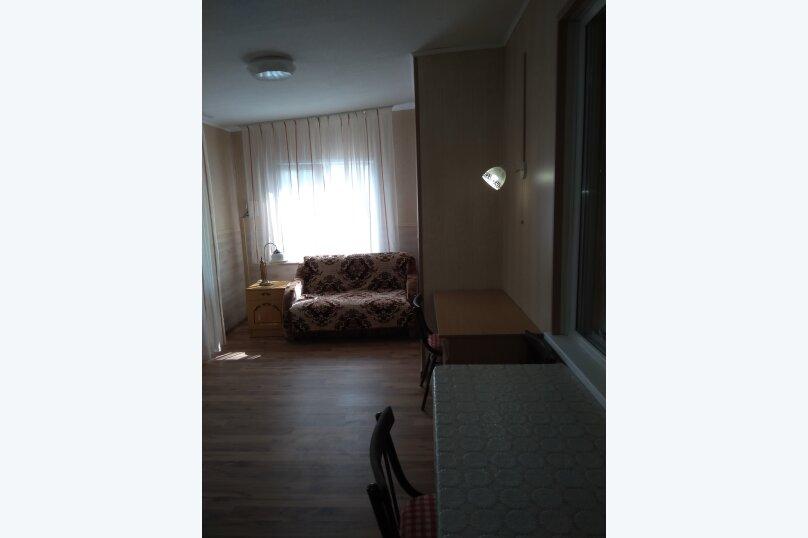 Гостевой дом в 10 минутах от моря с балконами, улица Ленина, 33/2 на 2 комнаты - Фотография 48