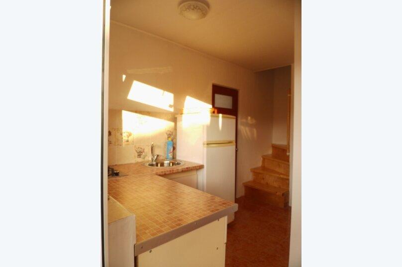 Двухкомнатный двухуровневый домик у самого Черного моря, 60 кв.м. на 6 человек, 2 спальни, улица Ивана Франко, 16, Евпатория - Фотография 6