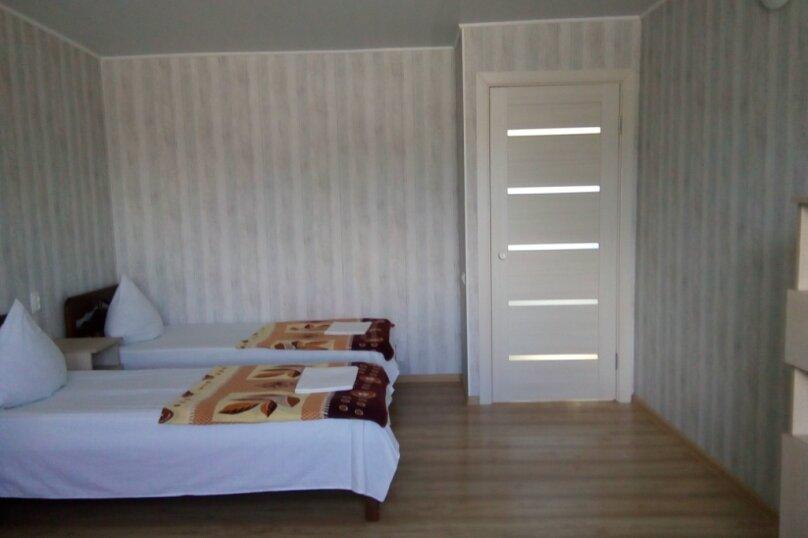 Двухкомнатный двухуровневый домик у самого Черного моря, 60 кв.м. на 6 человек, 2 спальни, улица Ивана Франко, 16, Евпатория - Фотография 16