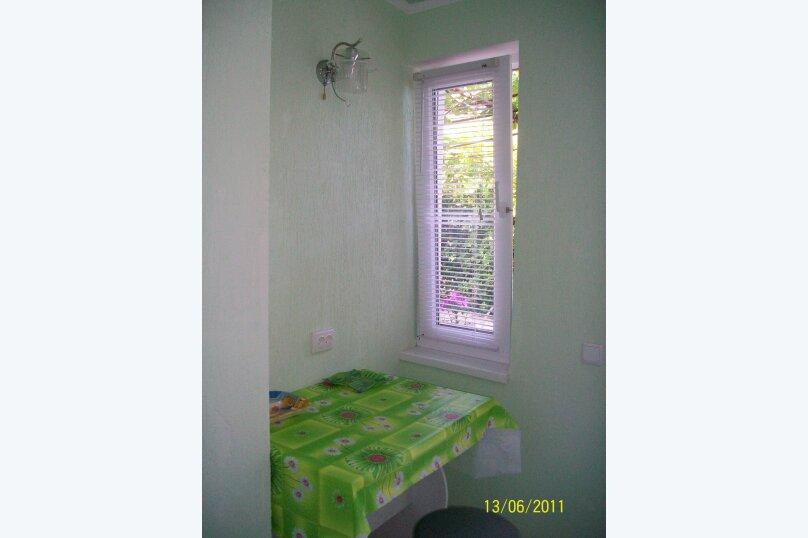 Дом в курортной зоне Евпатории, 30 кв.м. на 4 человека, 2 спальни, улица Кирова, 82, Евпатория - Фотография 3