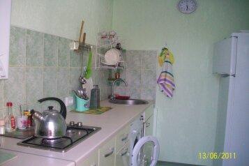 Дом в курортной зоне Евпатории, 30 кв.м. на 4 человека, 2 спальни, улица Кирова, 82, Евпатория - Фотография 2