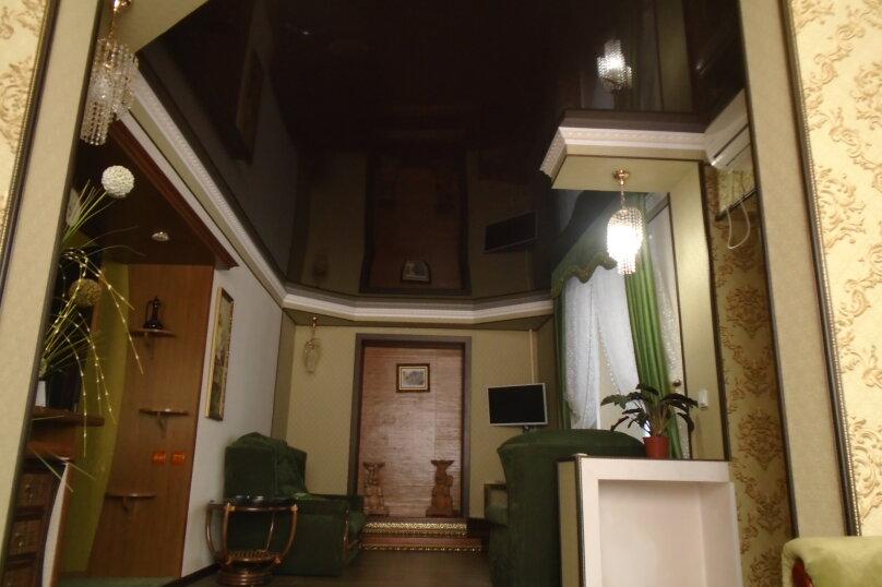 Дом у леса, 80 кв.м. на 8 человек, 2 спальни, улица Асрет, 31, Судак - Фотография 1