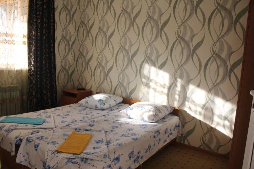 """Гостевой дом """"Михаил"""", улица Павлика Морозова, 10А на 22 комнаты - Фотография 21"""