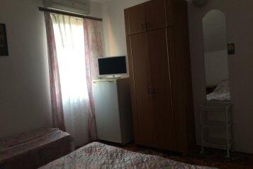 Место в четырехместном номере:  Койко-место, 1-местный, Гостевой дом, Приморская улица на 7 номеров - Фотография 4
