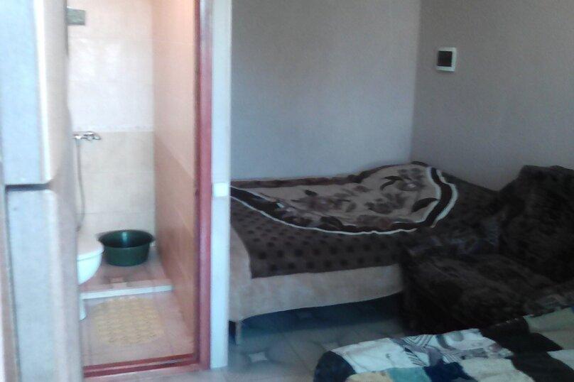 Комната бежевая 1 этаж, проезд Прибрежный, 27, Заозерное - Фотография 1
