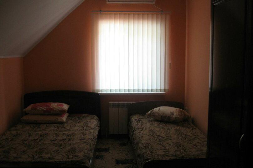 4-х местный с удобствами на этаже, Нижнесадовая улица, 152, Ейск - Фотография 1