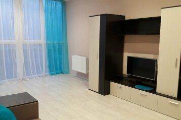 1-комн. квартира, 52 кв.м. на 5 человек, Парковая улица, 12, Севастополь - Фотография 1