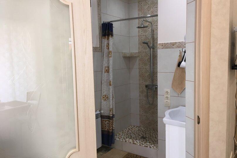 Гостевой дом ''Рахиль'', Керченская, 72 на 3 комнаты - Фотография 5