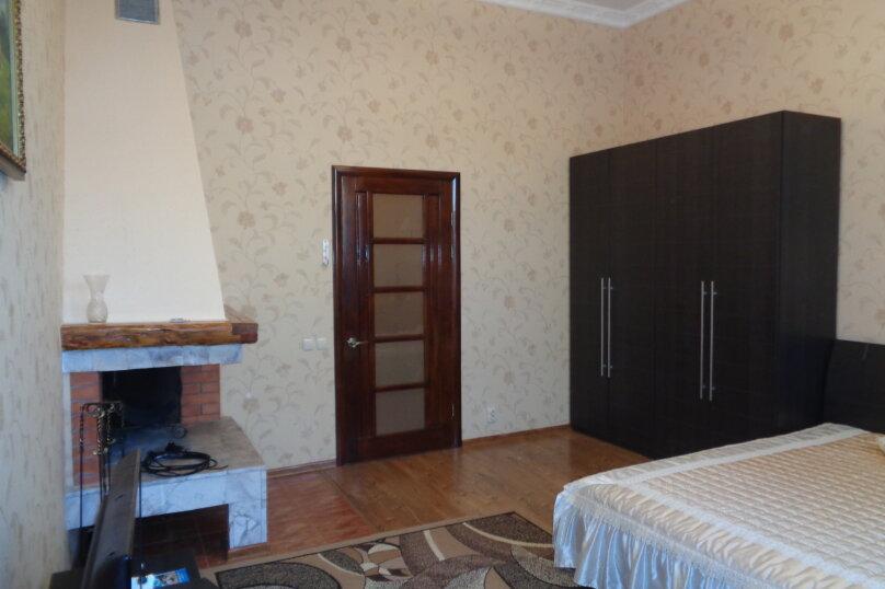 2-комн. квартира, 85 кв.м. на 5 человек, Пушкина, 1, Евпатория - Фотография 1