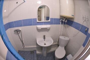 2-х. комнатный на 6 человек  санузел в каждой комнате, 50 кв.м. на 6 человек, 2 спальни, ул. Озен-бою пер3, 1, Морское - Фотография 3