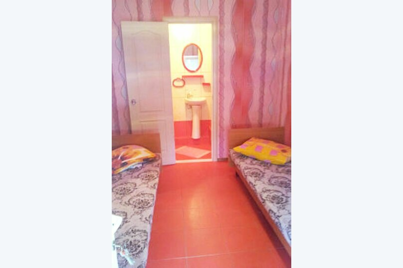 """Гостевой дом """"У Ирины"""", улица Стамова, 32 на 4 комнаты - Фотография 5"""