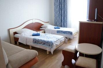 """Мини-отель """"Апельсин"""", Морская улица, 4 на 38 номеров - Фотография 1"""