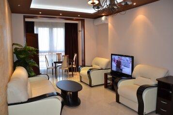 2-комн. квартира, 60 кв.м. на 6 человек, переулок Богдана Хмельницкого, Адлер - Фотография 1