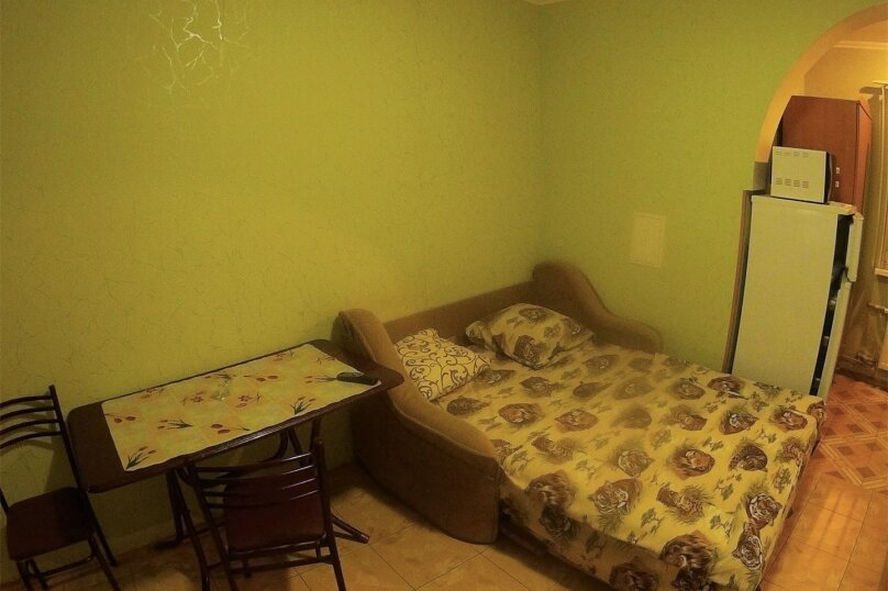 Отдельная комната, улица Вити Коробкова, 66, Евпатория - Фотография 3