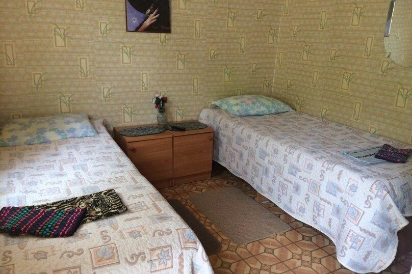 2-х местный номер на первом этаже с балконом, улица Челюскинцев, 109а, Севастополь - Фотография 7