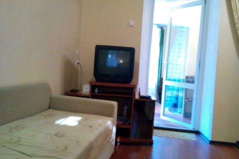 Квартира трёхкомнатная, Севастопольское шоссе, 12, Алупка - Фотография 2