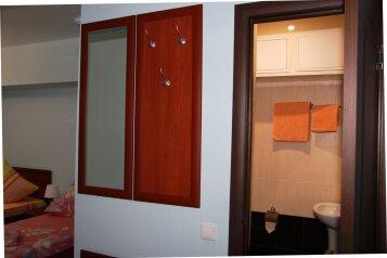 Трехместный номер:  Номер, Стандарт, 3-местный, 1-комнатный, Отель, Севастопольский переулок,  3 на 7 номеров - Фотография 3