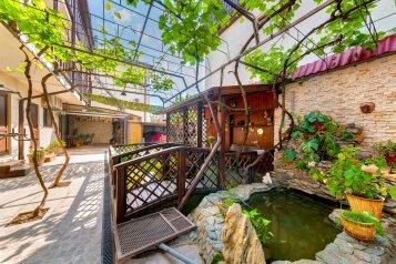 Гостевой дом Goldfish , улица Красных Партизан,  24 на 6 номеров - Фотография 3