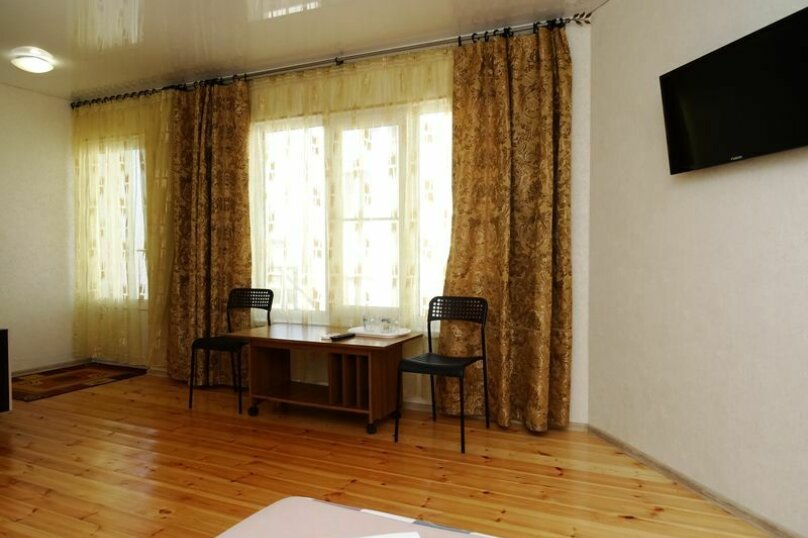 4-местный номер на 2-м этаже, Черноморская улица, 98, Витязево - Фотография 1
