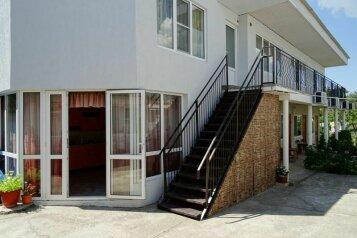 Гостевой дом , Черноморская улица, 98 на 8 номеров - Фотография 1