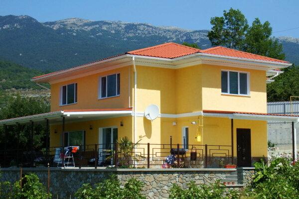 Дом у подножья Медведь горы, 200 кв.м. на 10 человек, 4 спальни, Табачная улица, 16, Алушта - Фотография 1
