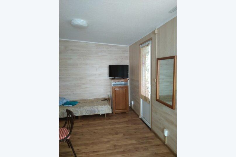 Гостевой дом в 10 минутах от моря с балконами, улица Ленина, 33/2 на 2 комнаты - Фотография 13