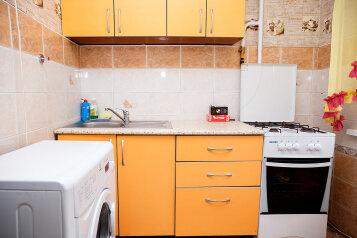 1-комн. квартира, 33 кв.м. на 3 человека, Красноармейская улица, Кемерово - Фотография 2