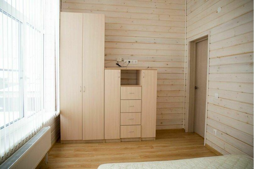 Коттедж, 300 кв.м. на 20 человек, 8 спален, пос. Солнечное Морье, уч. 4, Новая Ладога - Фотография 8