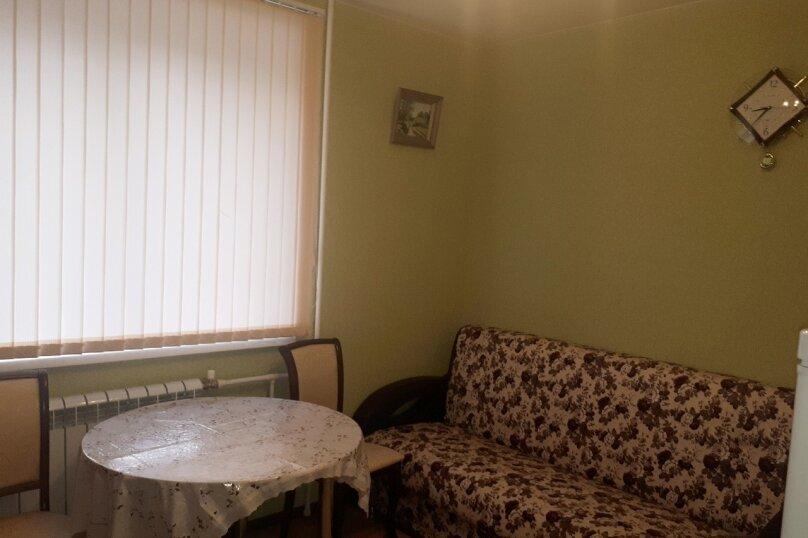 1-комн. квартира, 48 кв.м. на 4 человека, улица Блюхера, 61/1, Новосибирск - Фотография 2