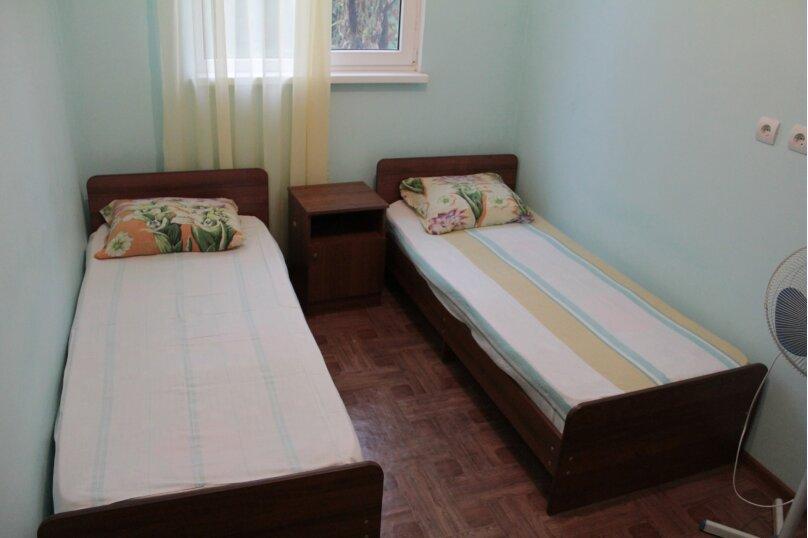 """Гостевой дом """"Медовый"""", Захара Топчян, 21 на 5 комнат - Фотография 21"""