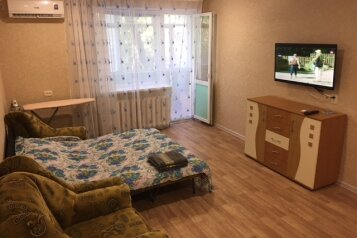2-комн. квартира, 45 кв.м. на 5 человек, улица Федько, 34, Феодосия - Фотография 1