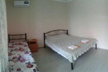 Сдается домик в 2х этажах, со своим двориком, 70 кв.м. на 7 человек, 3 спальни, Севастопольское шоссе, 17А, Алупка - Фотография 2