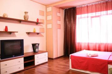 1-комн. квартира, 45 кв.м. на 4 человека, улица Профсоюзов, Сургут - Фотография 1