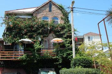 Дом, на берегУ Моря,1-ая линия, вид На МОРЕ,  Wi-Fi, TV, кондиционер, кухня, парковка, мангал, Лаунж-зоны, удобства плюс, Набережная, 16 на 8 номеров - Фотография 1