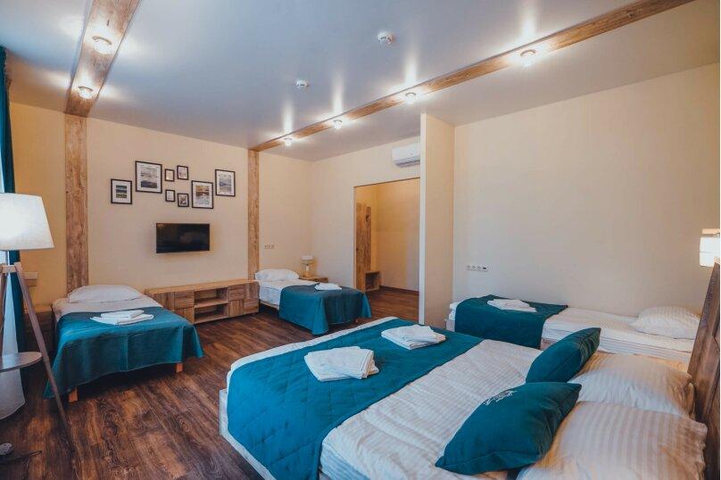 ДеЛюкс с кроватью Kingsize, дополнительной кроватью и диваном, Ленинградское шоссе, 303, Москва - Фотография 2