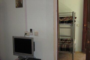 Дом, 100 кв.м. на 8 человек, 3 спальни, улица Победы, 35, Феодосия - Фотография 1