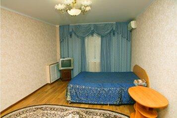 1-комн. квартира, 31 кв.м. на 4 человека, улица Ботвина, Ленинский район, Астрахань - Фотография 2