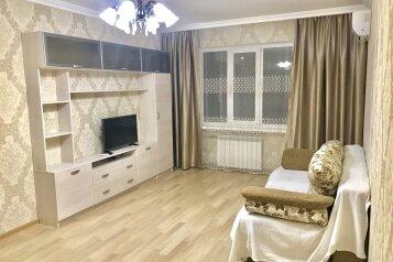 2-комн. квартира, 68 кв.м. на 6 человек, улица Лазарева, 68, Лазаревское - Фотография 1