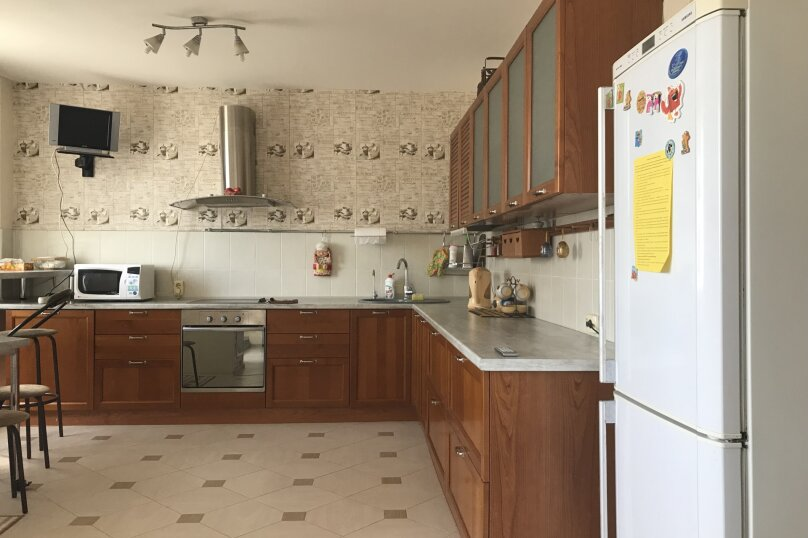 2-комн. квартира, 59 кв.м. на 4 человека, проспект Ямашева, 51, Казань - Фотография 2