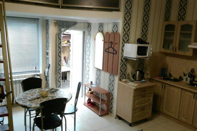 Коттедж для 4-х Однокомнатный в двухуровнях, 30 кв.м. на 4 человека, 1 спальня, улица Руданского, 11, Ялта - Фотография 8