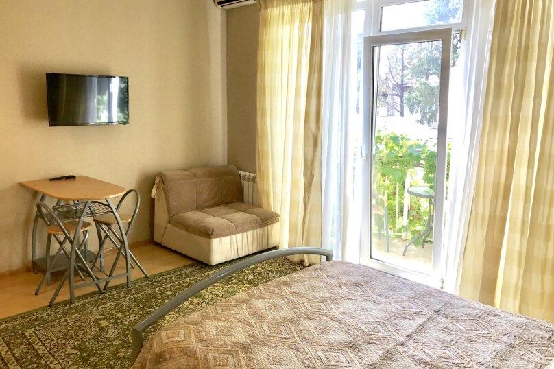 Отдельная комната, улица Павленко, 1Б, Ялта - Фотография 1