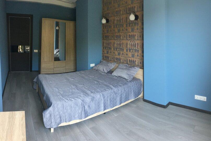 4-комн. квартира, 140 кв.м. на 6 человек, улица Цотнэ Дадиани, 7А, Тбилиси - Фотография 9
