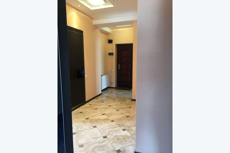 4-комн. квартира, 140 кв.м. на 6 человек, улица Цотнэ Дадиани, 7А, Тбилиси - Фотография 11